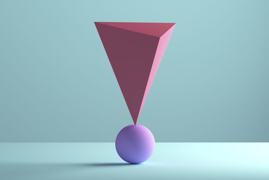 Images illustrating one ball with on top a flipped piramid