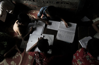 The children living in Aung Mingalar have limited opportunities to attend school. Photo by Andreas Staahl